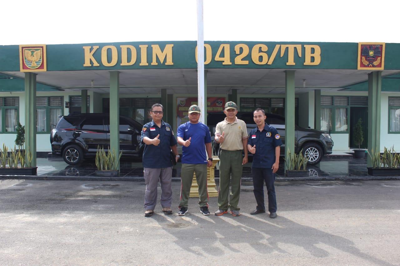 DPC Asosiasi Wartawan Profesional Indonesia (AWPI) Tulang Bawang berkunjung silaturahmi ke Markas Kodim 0426/ Tulang Bawang di Menggala pada hari Jum'at (14/02/20).