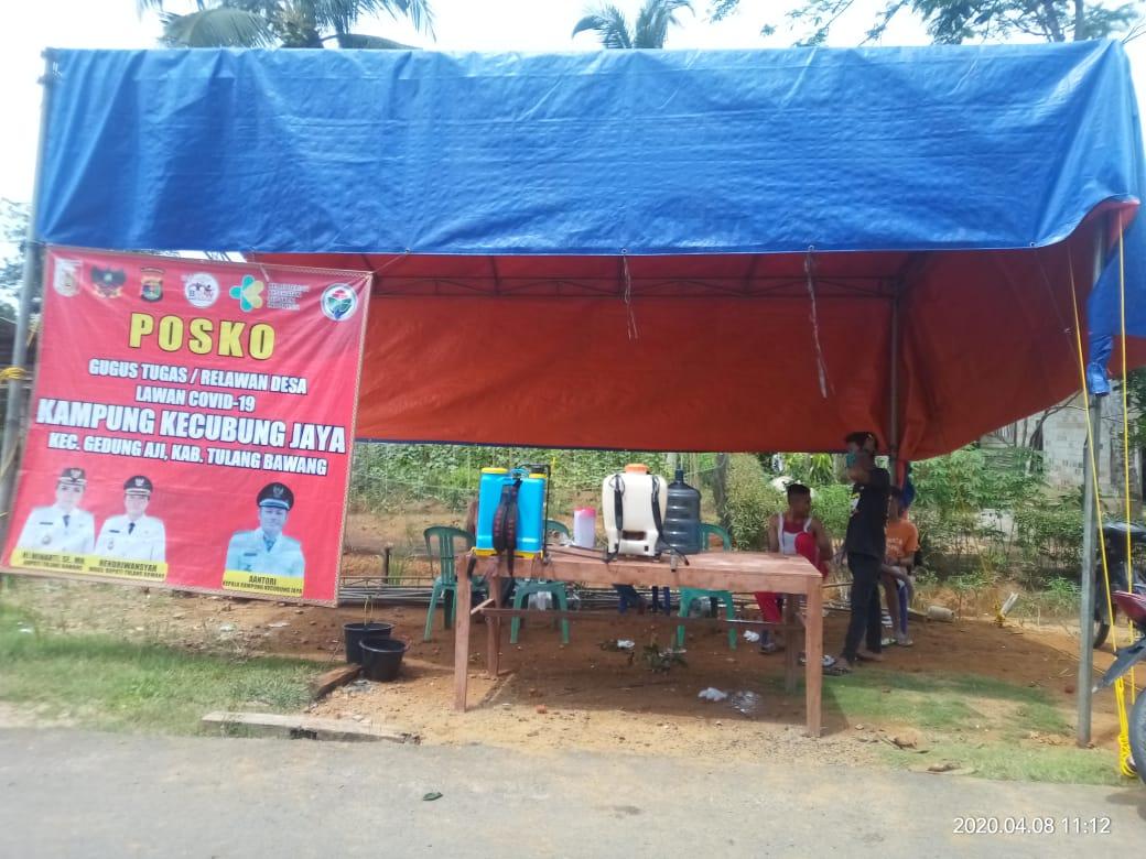 Posko gugus tugas/ relawan desa lawan Covid-19 Kampung Kecubung Jaya, Kecamatan Gedung Aji, Kabupaten Tulang Bawang.