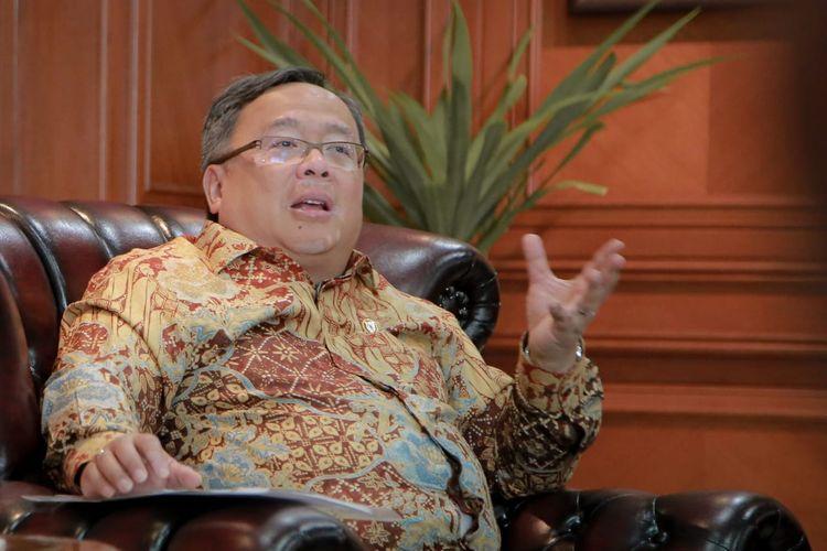 Menristek (Menteri Riset dan Teknologi) dan Kepala BRIN (Badan Riset dan Inovasi Nasional) Bambang Brodjonegoro secara resmi dinyatakan negatif Covid-19
