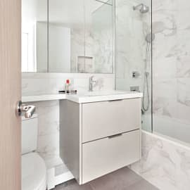 10 ไอเดียจากนักออกแบบ แต่งห้องน้ำขนาดเล็กให้ดูดีขึ้น