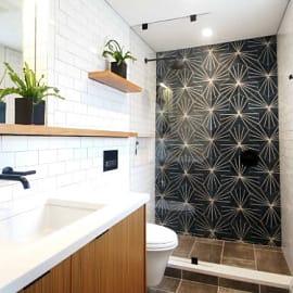 9 ไอเดียเจ๋งๆ สร้างห้องอาบน้ำฝักบัวให้มีสไตล์