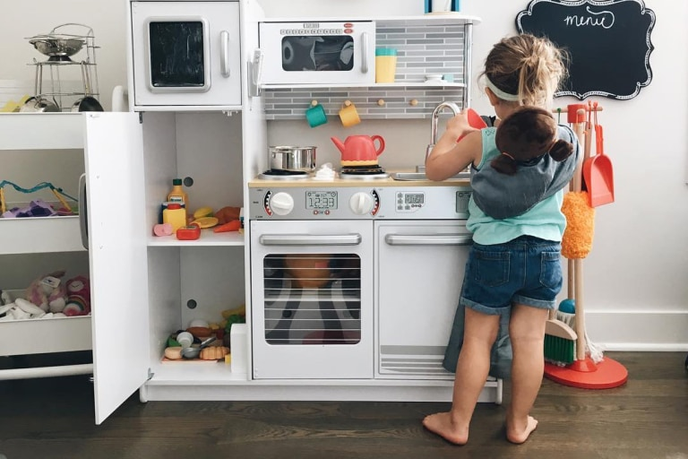 255b1cf2729 Best Play Kitchens for Toddlers