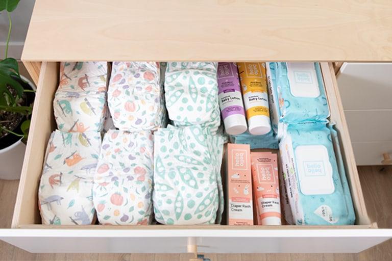 10 Diaper Bag Essentials .