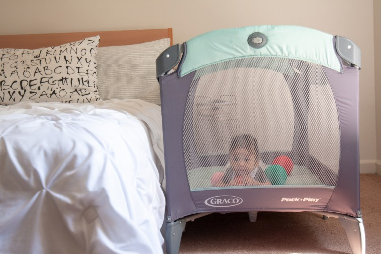 Graco Pack 'n Play Review.