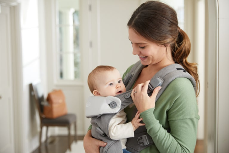 Video Review: The New Graco Baby Carrier is Extra Parent-Friendly