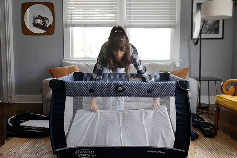 Video Review: The Graco Pack 'n Play Travel Dome Playard