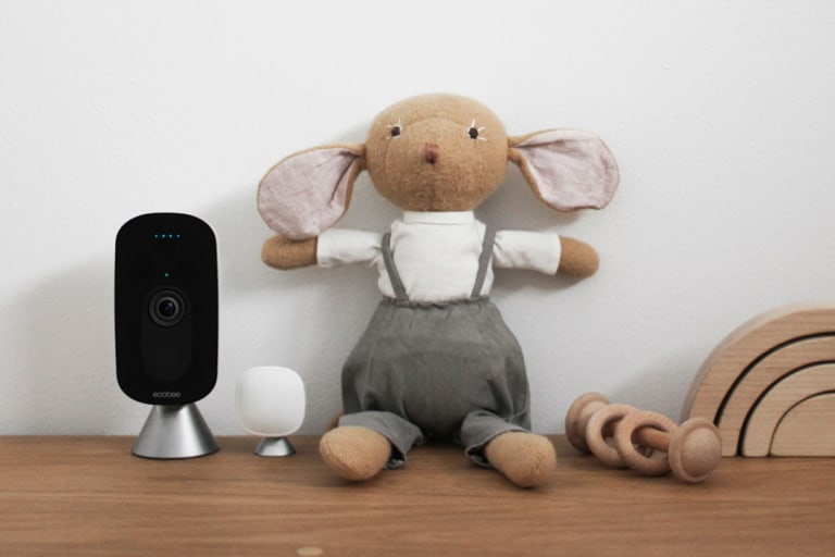 First Look: ecobee's SmartCamera and SmartThermostat Combo Kit