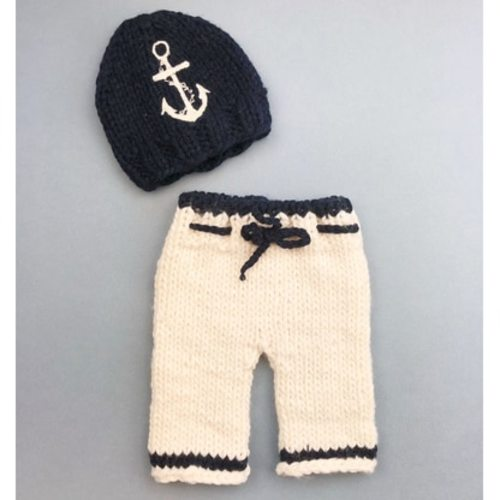 Newborn or 0-3 month baby silver grey hand knitted first hat and mittens set also fit reborn doll UK seller