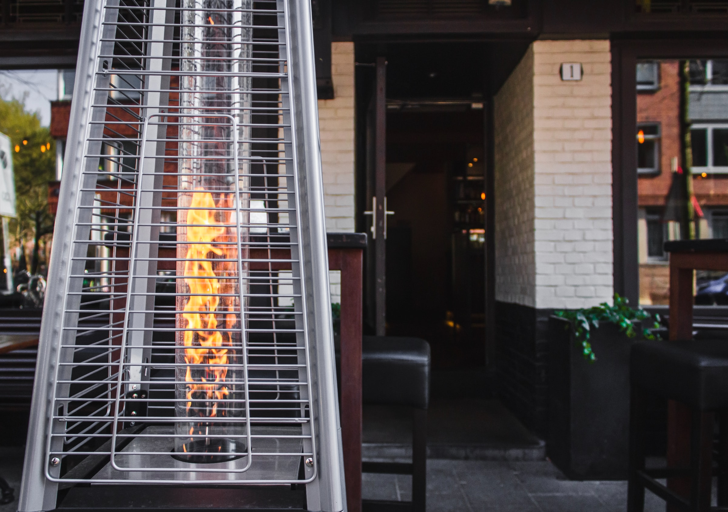 The Best Outdoor Heaters & Heat Lamps for Restaurants Doing Outdoor Dining
