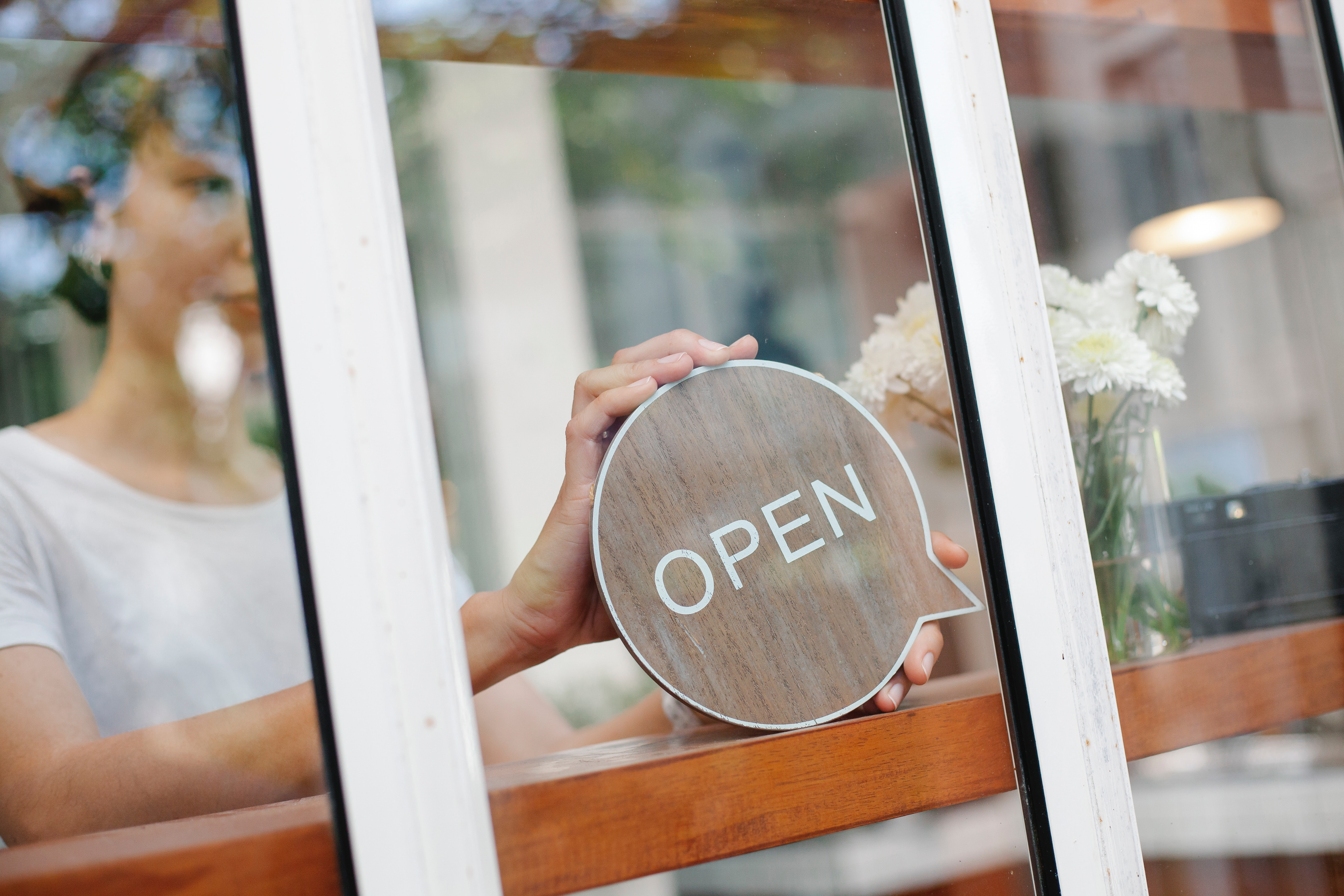 """There's A """"Mass Rehiring"""" Coming for the Restaurant Business. Here's How Hiring Software Can Help"""