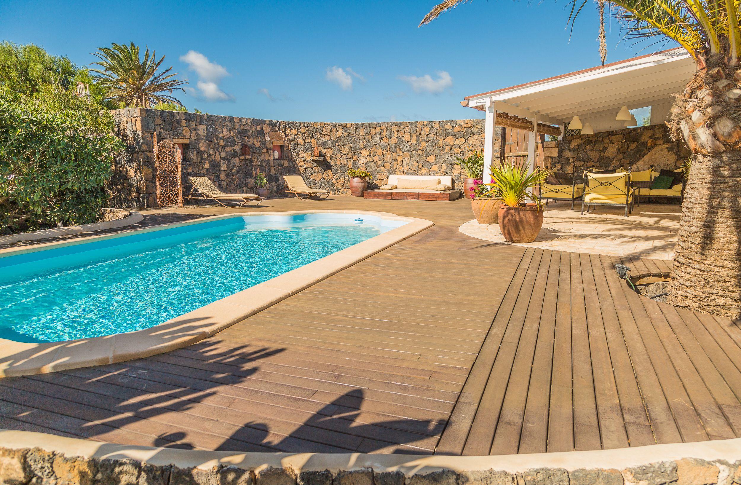 Superb house + heated pool