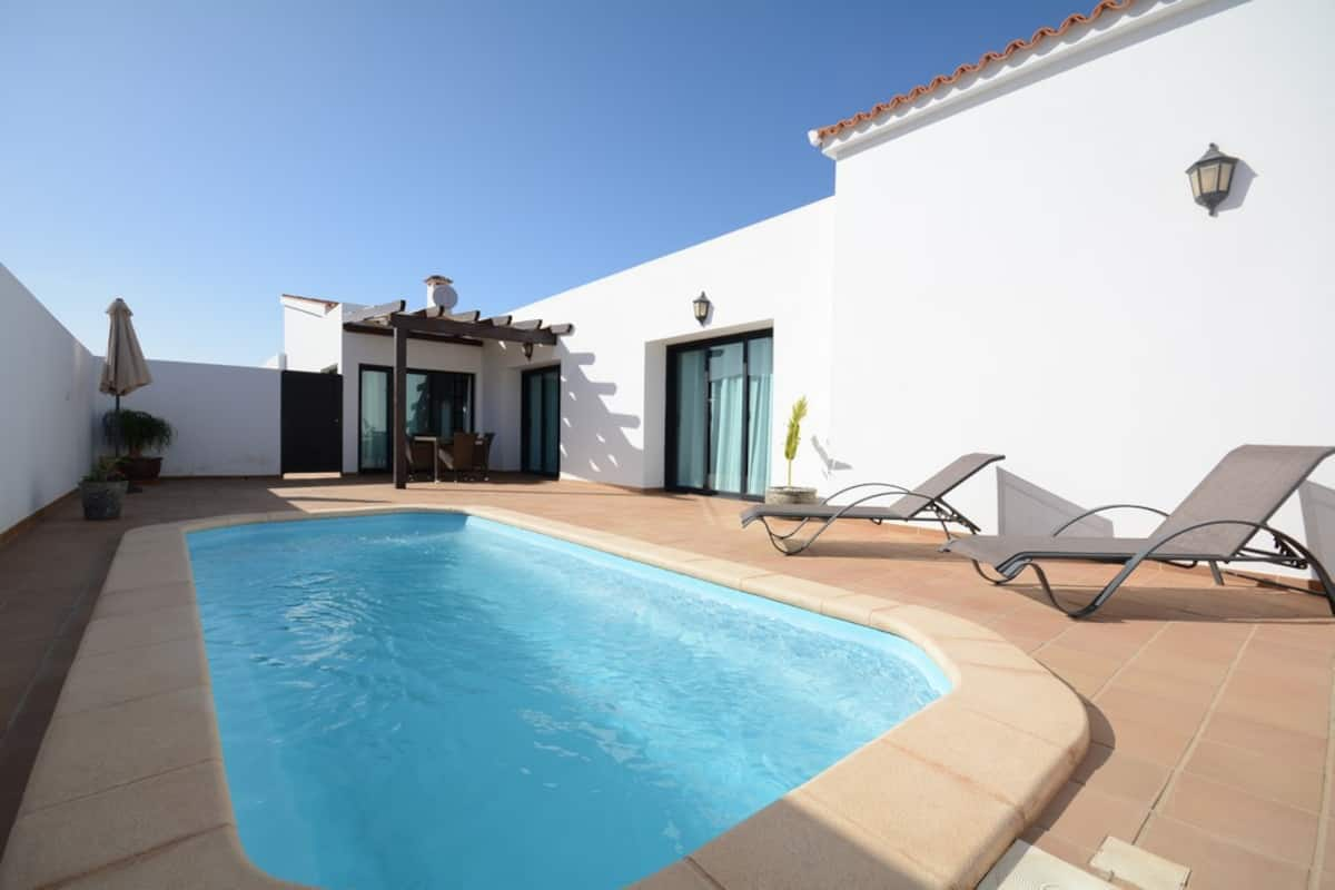 Superb spacious villa with heated pool
