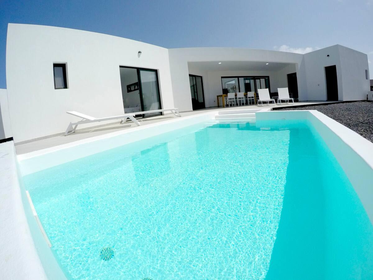 Dudi house with heated pool
