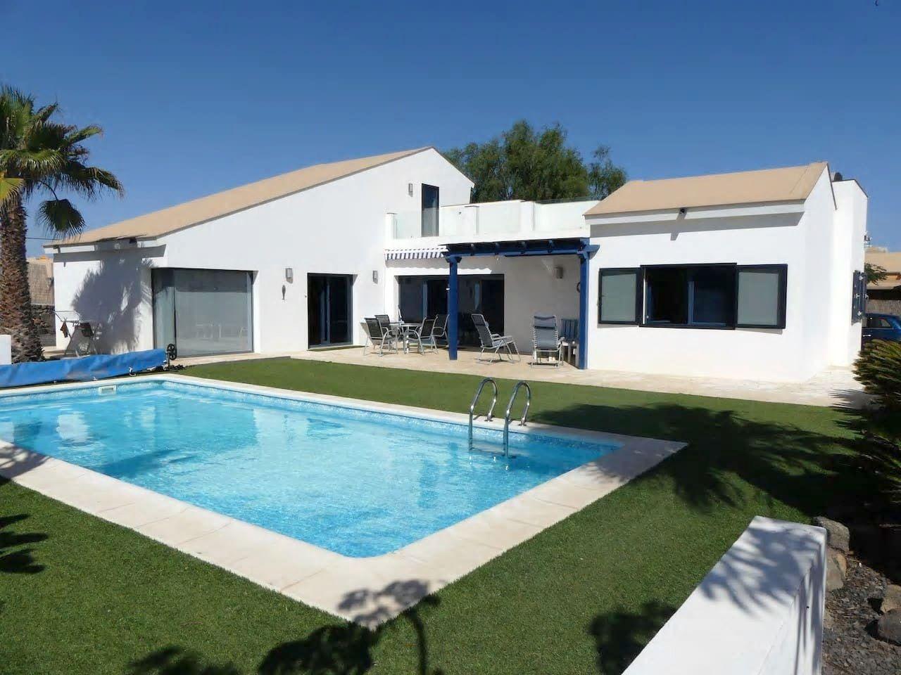 Villa Maliva - heated pool