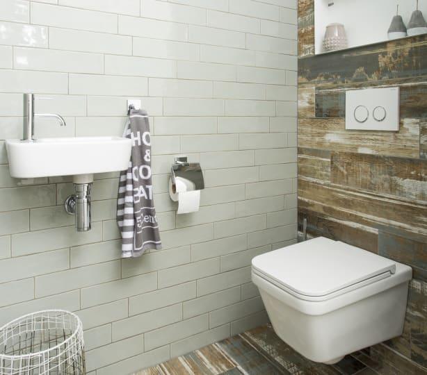 Landelijke sfeer in het toilet