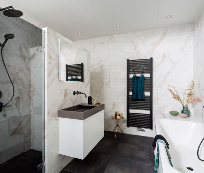 Elegantie in de badkamer met marmer