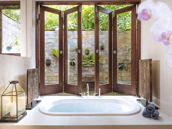 The Arsana Estate - Ensuite bathtub