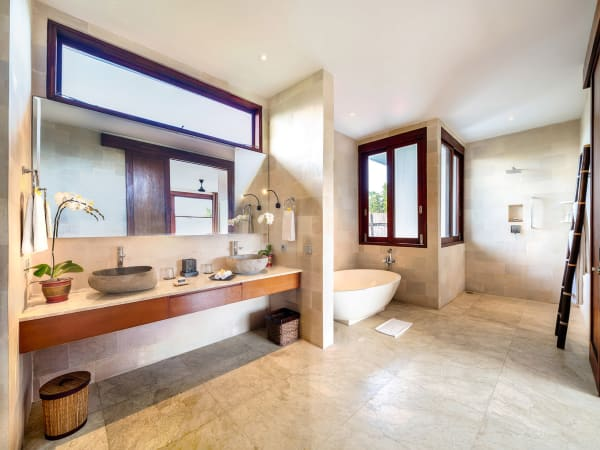 Casa Brio - Guest bathroom 2