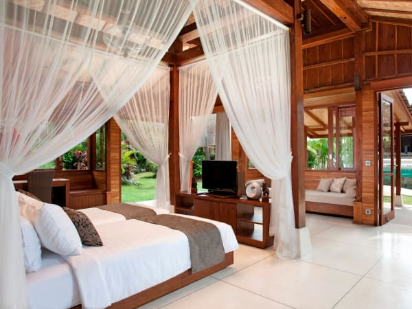 7. Villa Sati - Master bedroom