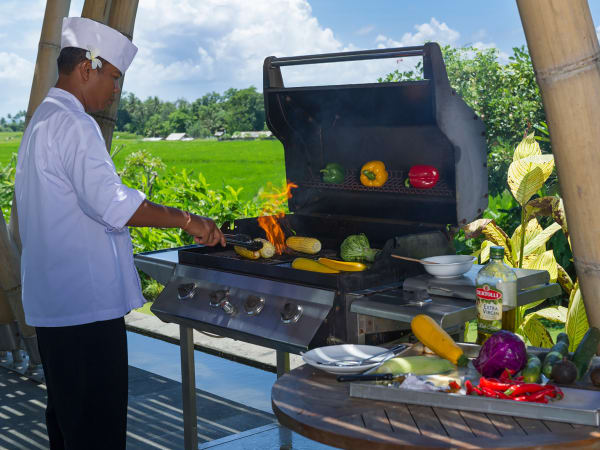 Villa Mandalay - BBQ with the inhouse villa chef