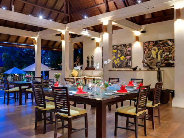 Villa Mandalay - Dining room setting