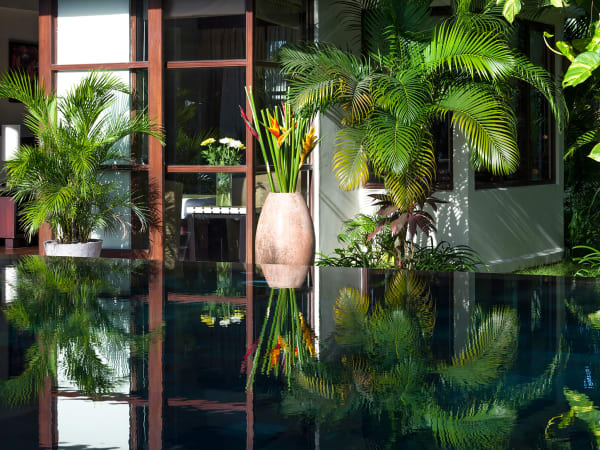 Villa Mandalay - Pool and garden reflections