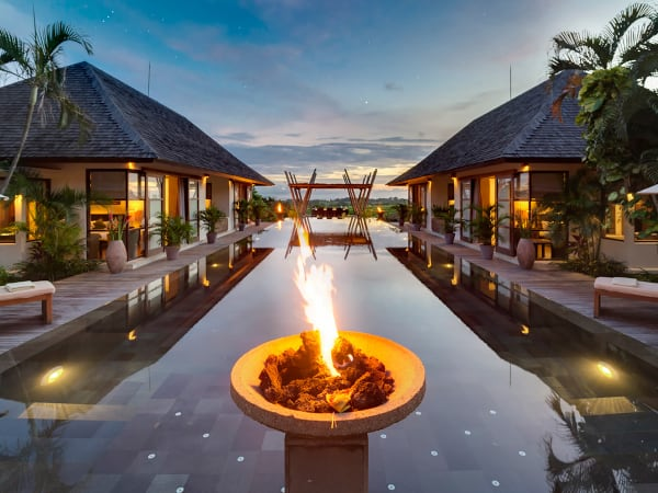 Villa Mandalay - Pool flame