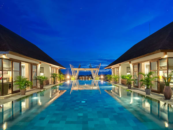 Villa Mandalay - The villa at night