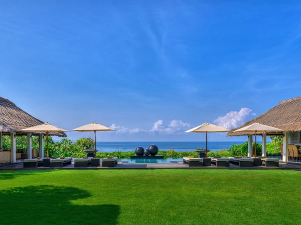 Seseh Beach Villa I - Perfect tropical getaway