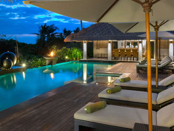 Seseh Beach Villa I - Poolside at twilight