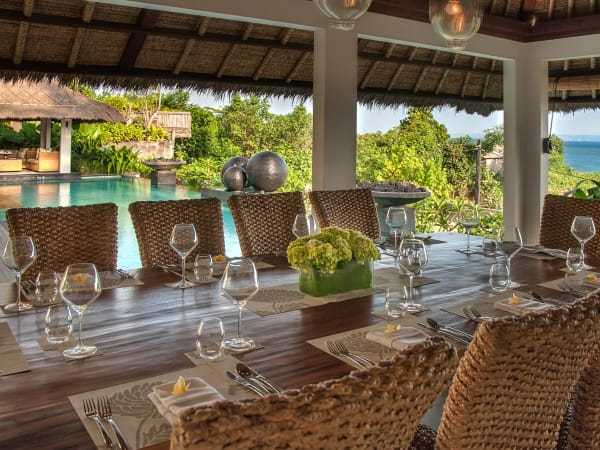 Seseh Beach Villa I - Poolside dining set up