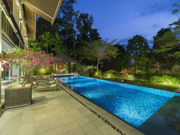 Villa Shinta Dewi Ubud - Pool edge perfection