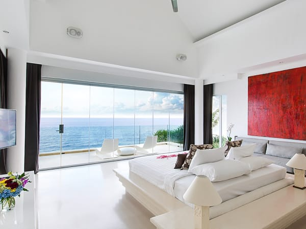 Grand Cliff Front Residence - Bedroom sea view