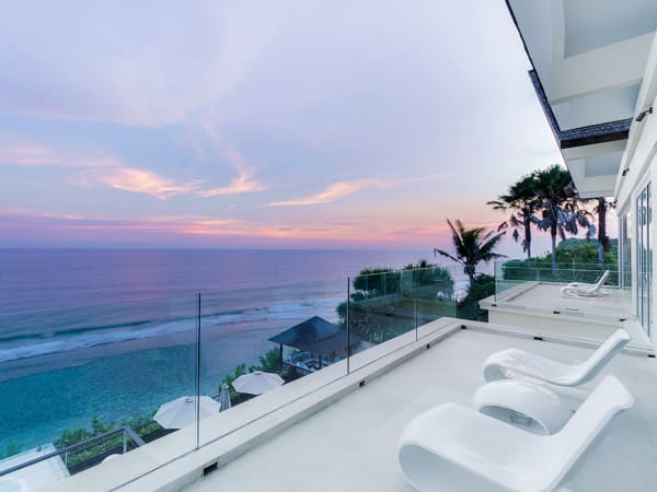 Grand Cliff Front Residence - Sea view
