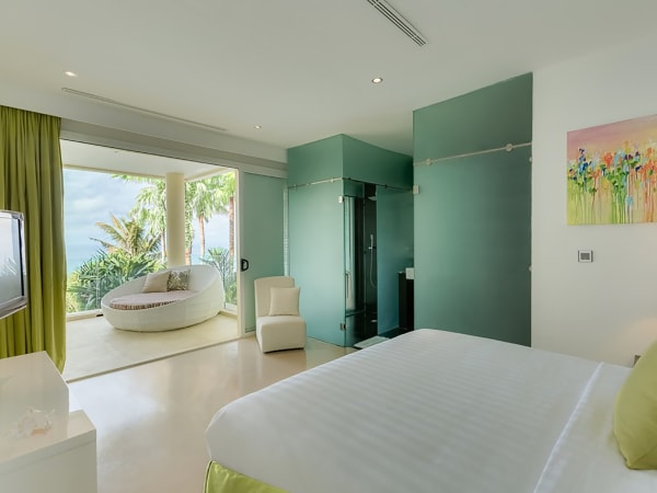 Grand Cliff Front Residence - Green bedroom