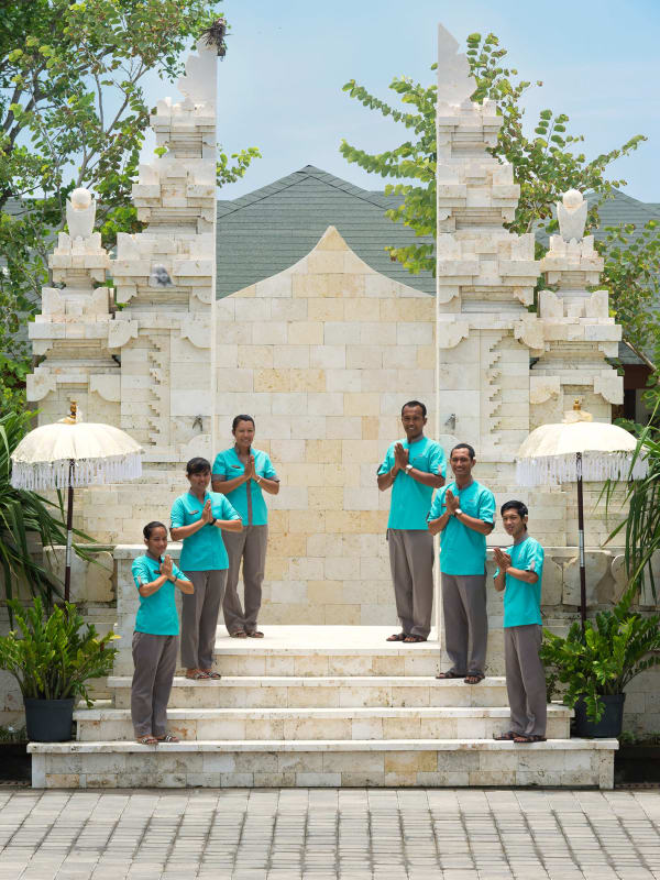 Pandawa Cliff Estate - Villa Rose - The staff