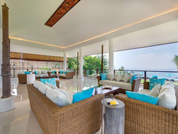 Pandawa Cliff Estate - Villa Rose - Upstairs open air living area