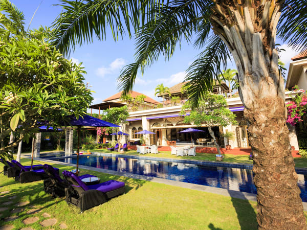 Villa Sayang d'Amour - Lush gardens surround style and glamour