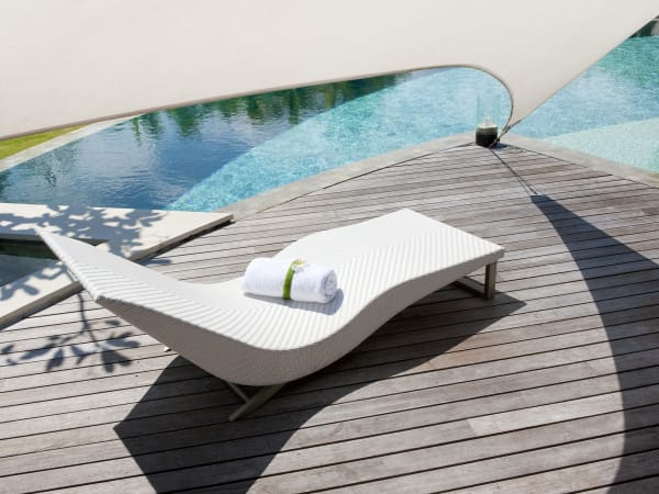 The Layar - 3 bedroom - Sun loungers and fresh towels