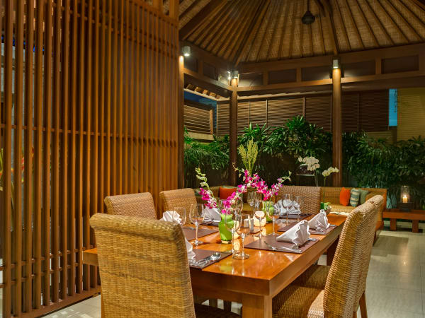 10. Lakshmi Villas - Toba - Evening dining