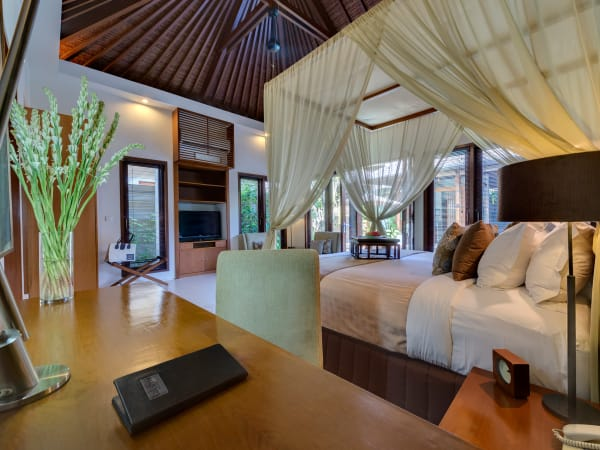7. Lakshmi Villas - Toba - Bedroom two