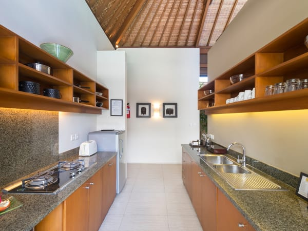 9. Lakshmi Villas - Toba - Kitchen