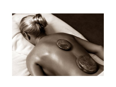 Jade Hot and Cold Stones Massage