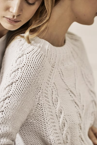 AMOUR HANDKNIT SWEATER