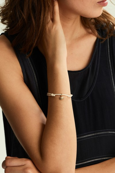 Gold Shell Friendship Bracelet