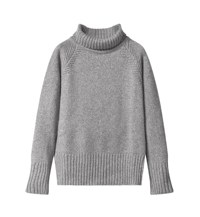 RILEY RAGLAN Sweater