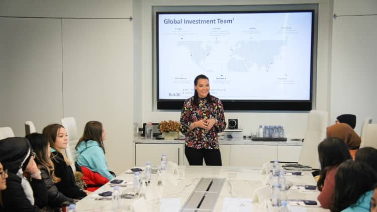<p>We recentlyhosted Chicago Academy High School through our Teach for America partnership. We had 17 students, our FIRST all-female group, attended our onsite visit. This was the 3rd trek of 2019 in our Chicago office and we look forward to expanding this effort in 2020.</p>
