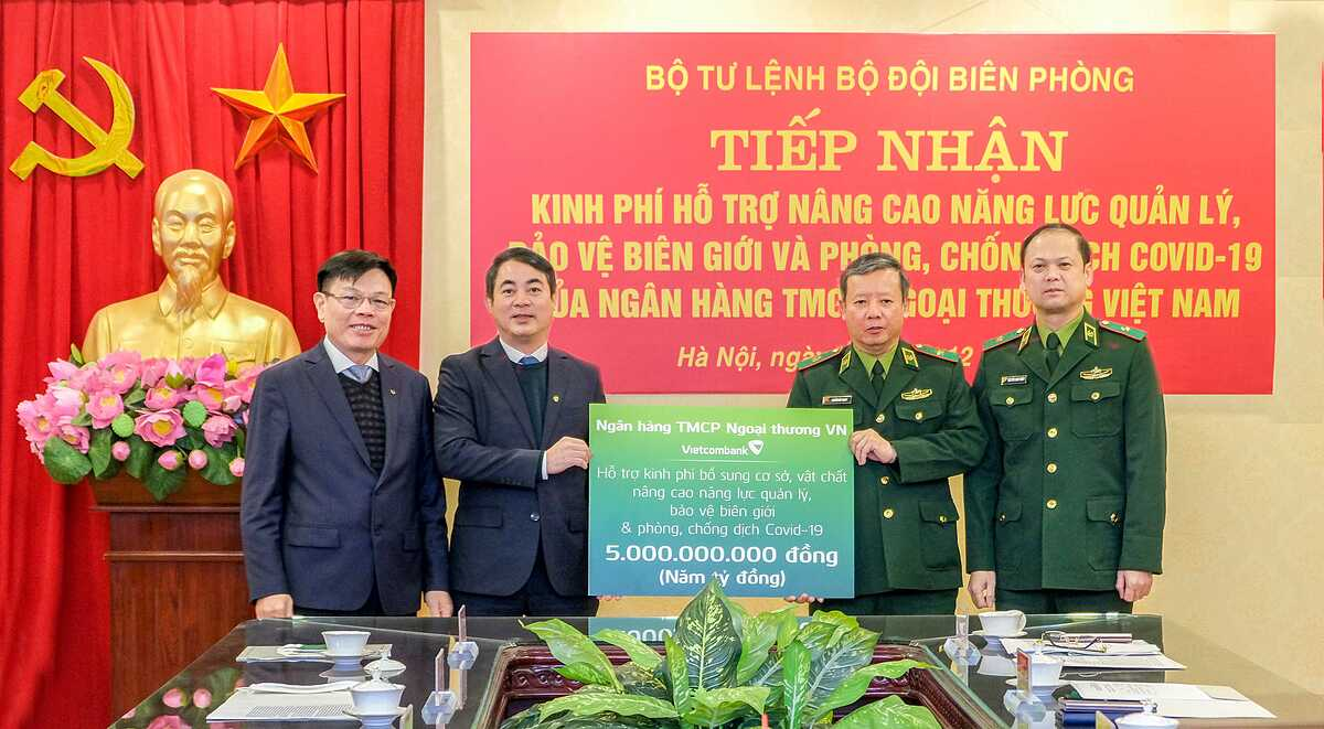 Vietcombank ủng hộ 5 tỷ đồng
