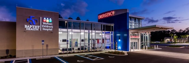 photograph of emergency room exterior at night