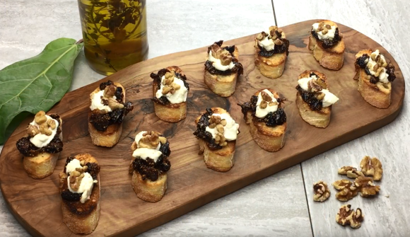 Goat Cheese and Fig Bruschetta